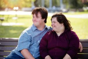 Overvektig ungt par.